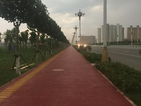 邢台宁晋高速口人行道